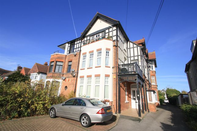 Thumbnail Flat for sale in Imperial Avenue, Westcliff-On-Sea