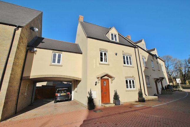 Thumbnail Property for sale in Buttercross Lane, Witney