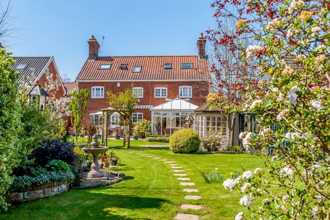 Thumbnail Detached house for sale in Norwich Road, Chedgrave, Norfolk
