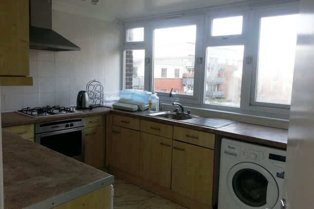 Thumbnail Flat to rent in Horne House, Master Gunners Place, Woolwich