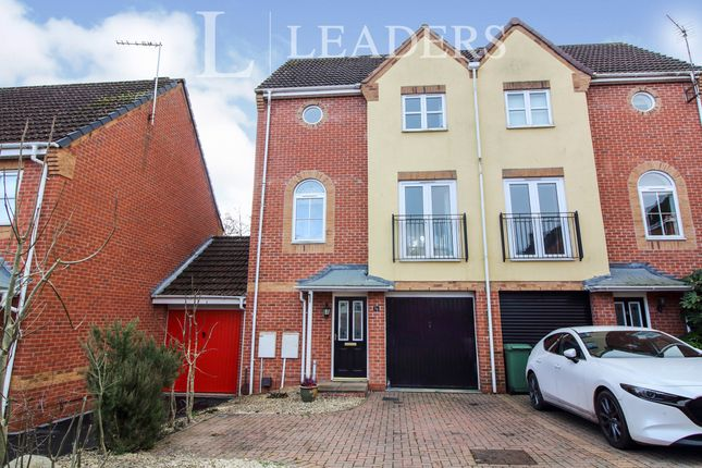 3 bed town house to rent in Turnpike Lane, Redditch B97