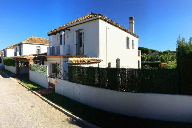 3 bedroom villa for sale in Benamara, Estepona, Malaga