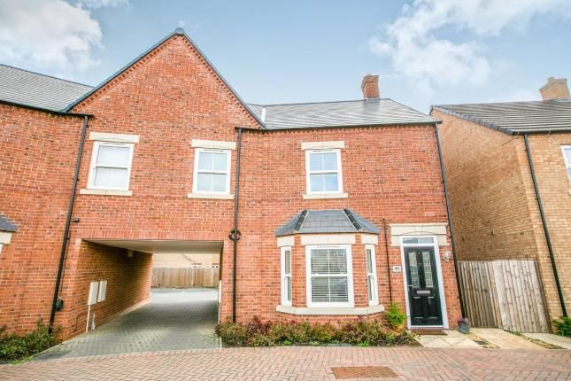 Thumbnail Maisonette for sale in Collings Crescent, Biggleswade, Bedfordshire