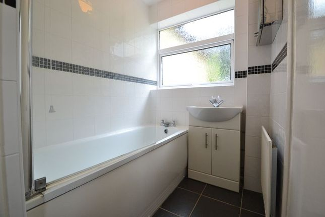 Bathroom of Lynsted Lane, Lynsted, Sittingbourne ME9