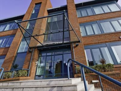 Thumbnail Office to let in 18 Stoke Road, Slough, Berkshire