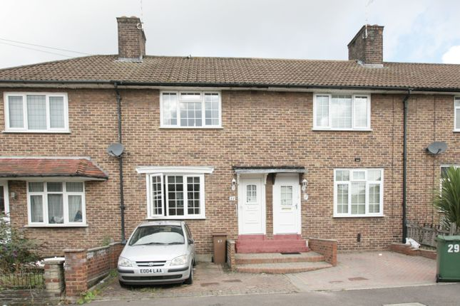 Thumbnail Terraced house for sale in Bluehouse Road, Chingford