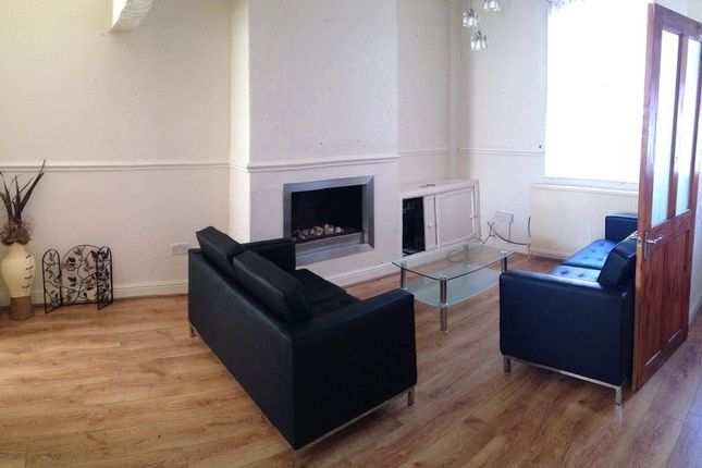 Thumbnail Flat to rent in Beverly Road, Fallowfield Flat, Manchester