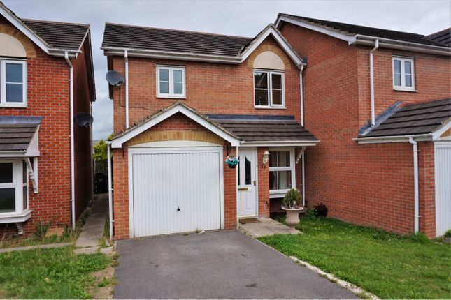 Thumbnail Semi-detached house to rent in Manderston Chase, Leeds