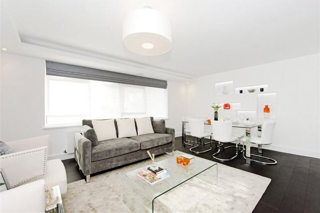 Thumbnail Flat for sale in Clifton Place, London
