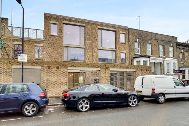 Thumbnail Town house to rent in The Market, Choumert Road, London