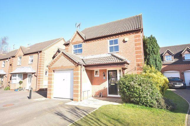 Thumbnail Property to rent in Primrose Close, Bishops Stortford, Herts