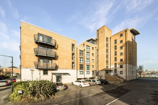 Flat for sale in Thistley Court, Glaisher Street, Deptford