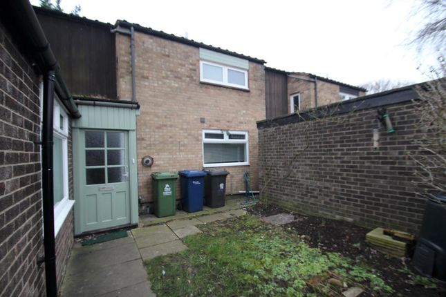 Thumbnail Terraced house for sale in Hazelwood Close, Cambridge