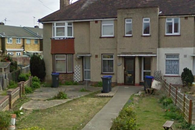 Thumbnail Flat to rent in Centrecourt Close, Broadwater, Worthing