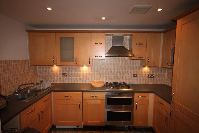 2 bedroom flat to rent in Neptune Way, Ocean Village