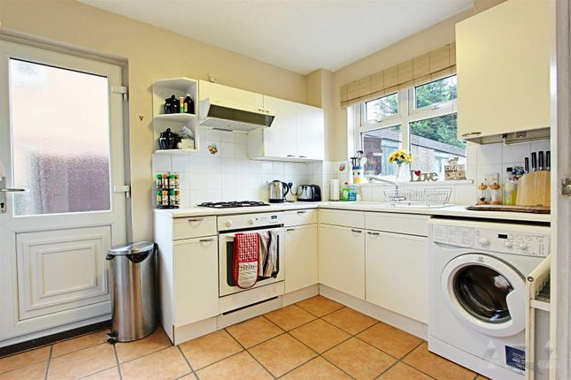 Kitchen of Loxley Drive, Mansfield NG18
