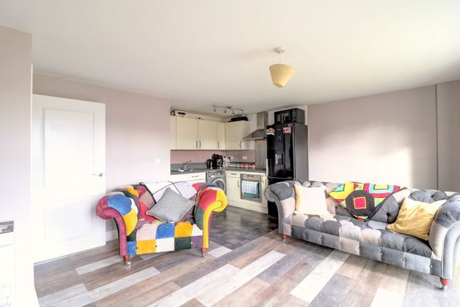 2 bed flat for sale in Chelwater, Chelmsford CM2