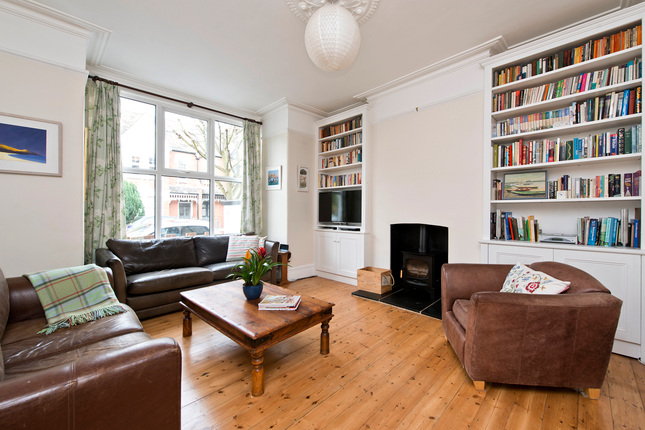 4 bed semi-detached house for sale in Pendle Road, London