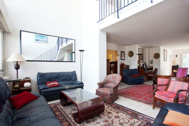 5 bed apartment for sale in Boulogne-Billancourt, Paris, France