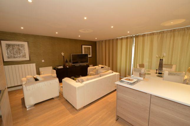 Thumbnail Flat to rent in Sirius Building, Plough Way, Surrey Quays