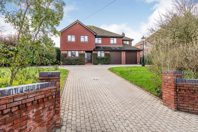 Thumbnail Detached house for sale in Stoke Common Road, Bishopstoke, Eastleigh