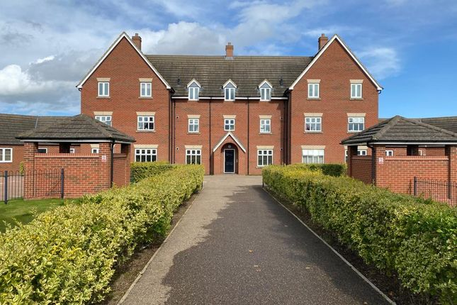 Thumbnail Flat for sale in Woodgreen Close, Desborough, Kettering