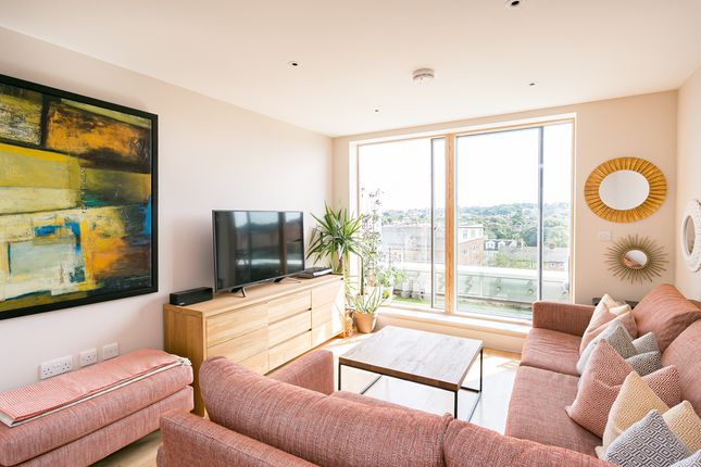 Thumbnail Flat to rent in Derry Court, 386 Streatham High Road, Streatham