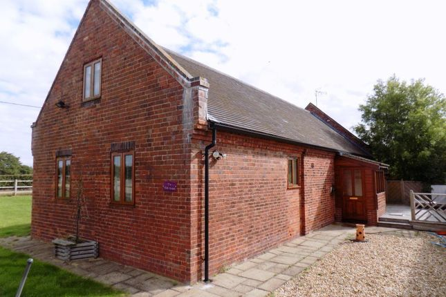 Thumbnail Property to rent in Edial Farm Mews, Burntwood, Staffordshire