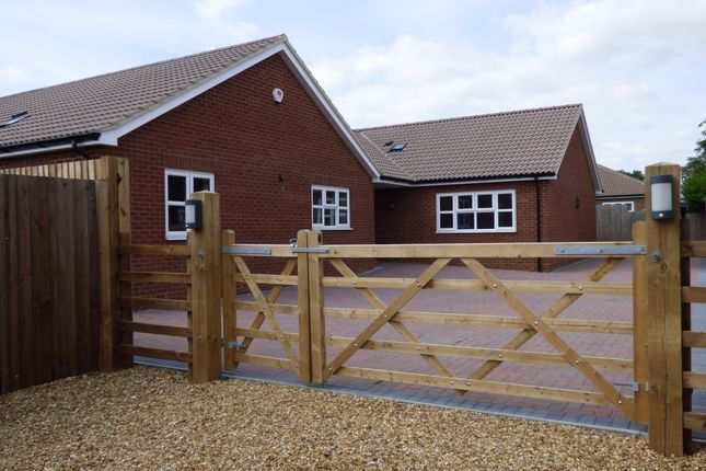Thumbnail Bungalow for sale in Bereford Close, Great Barford