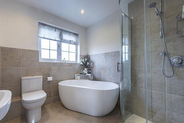 Family Bathroom of Winchester Close, Amersham, Buckinghamshire HP7