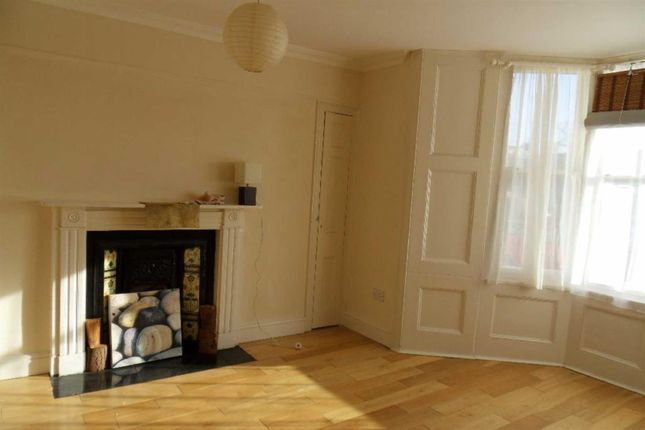 Thumbnail Flat to rent in Spencer Square, Ramsgate