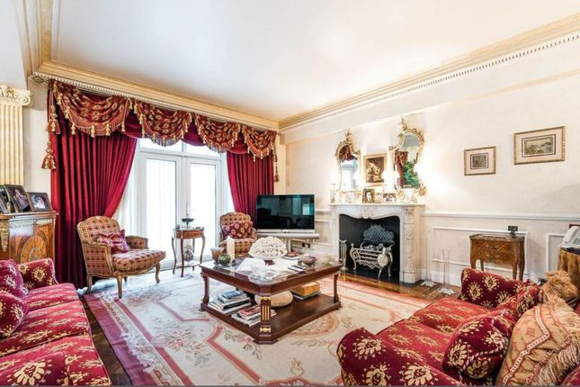 Thumbnail Flat for sale in Kingston House North, Prince's Gate, London
