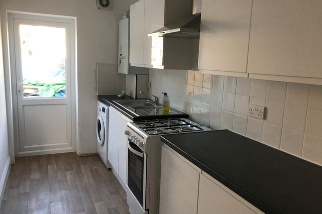 Thumbnail Room to rent in Fieldfare Road, Thamesmead