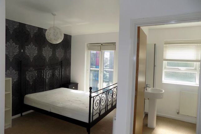 Thumbnail Room to rent in Broughton Lane, Salford