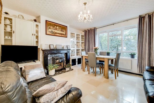 2 bed flat for sale in Fairdene Court, Camden Road, London N7