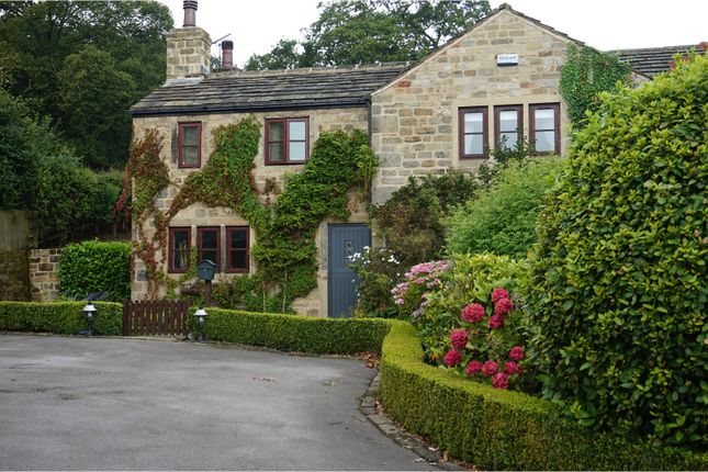 Thumbnail Cottage to rent in Staircase Lane, Leeds