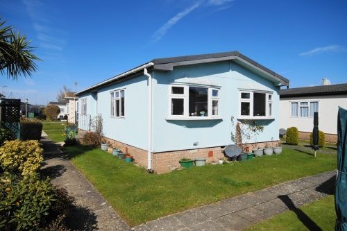 2 bed mobile/park home for sale in Selwood Park, Kinson, Dorset
