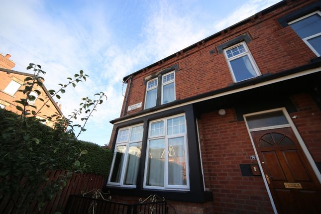 Thumbnail Flat to rent in Headingley Avenue, Headingley, Leeds