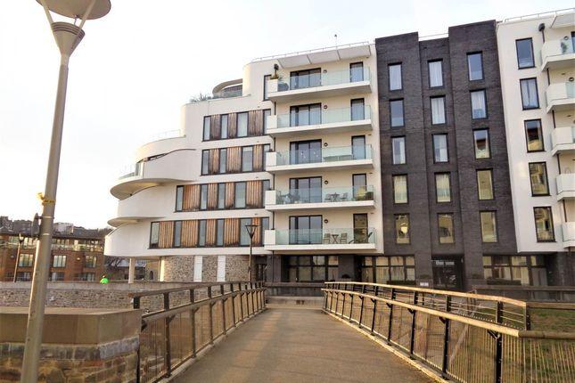Thumbnail Flat to rent in Invicta, Millennium Promenade, Bristol