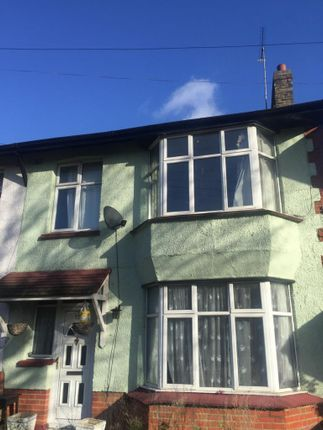Thumbnail Terraced house to rent in Waterloo Road, Romford