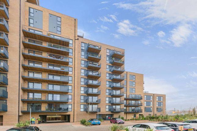 Thumbnail Flat to rent in Hampden Road, Harringay, London