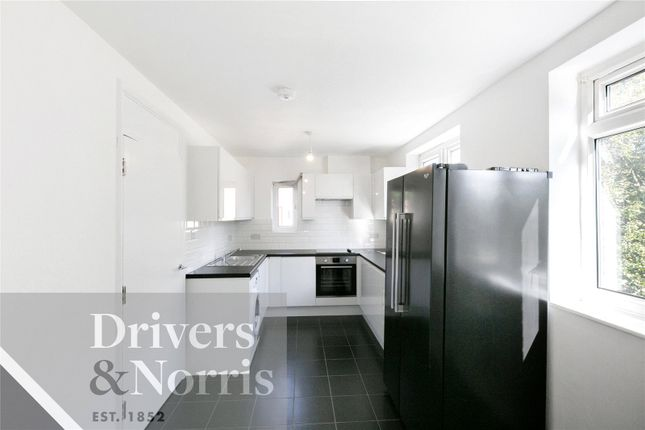Thumbnail Flat to rent in Hilldrop Road, Holloway, London