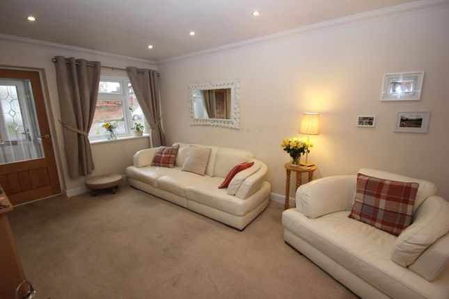 Lounge of Albury Road, Studley B80