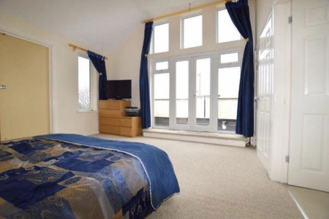 Thumbnail Detached house for sale in Stockingstone Road, Luton