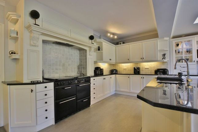 Photo 13 of Meadway, Lower Heswall, Wirral CH60