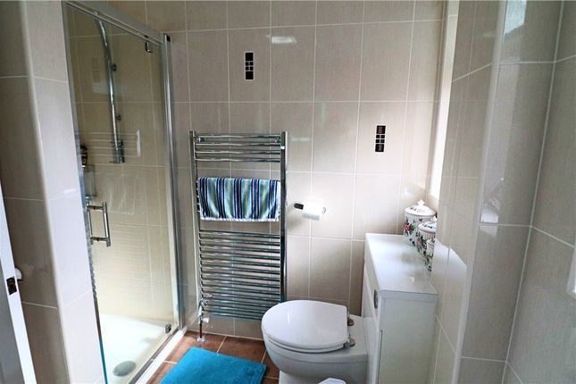 Bathroom of Hoarestone Avenue, Nuneaton CV11