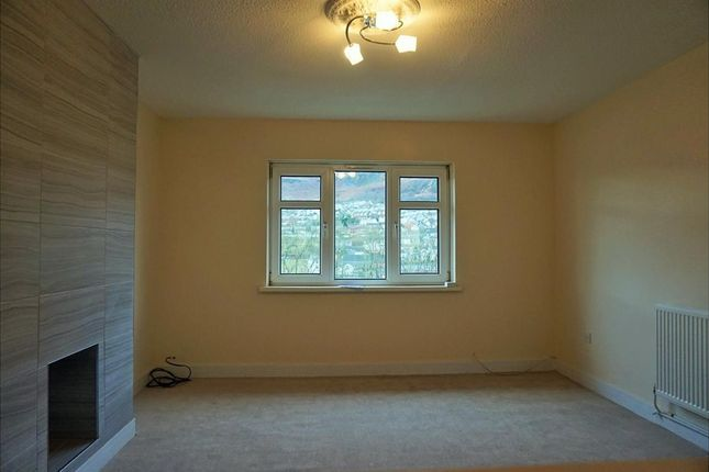 Thumbnail Flat to rent in Rowan Close, Mountain Ash
