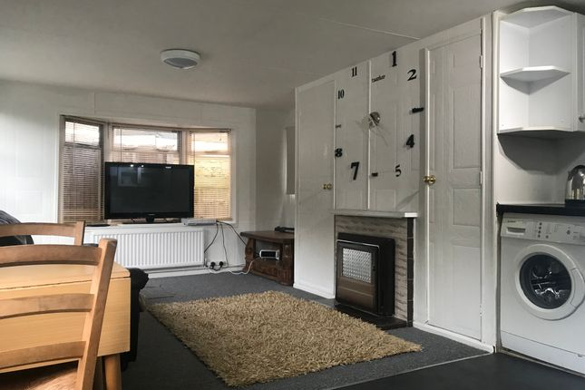 1 bed mobile/park home to rent in Thorny Lane, Iver