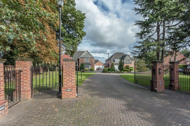 Thumbnail Detached house for sale in Spruce Drive, Retford