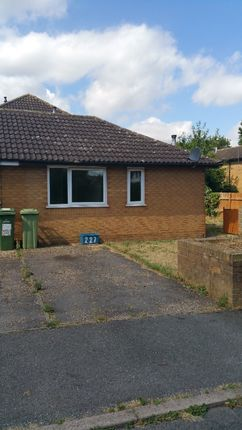 Thumbnail Bungalow to rent in Arlott Crescent, Oldbrook, Milton Keynes